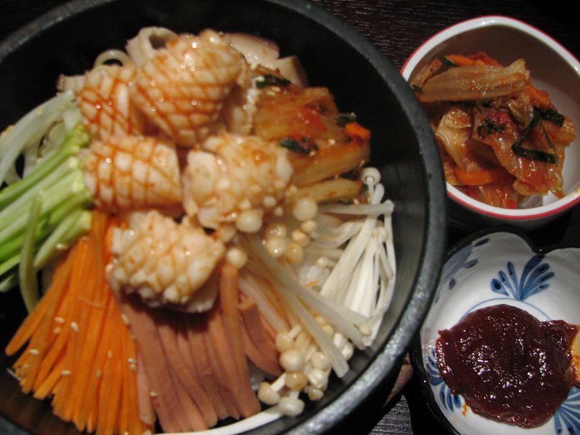 鲜鱿石锅拌饭