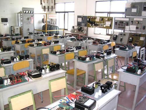 异步电动机的连接和控制电路