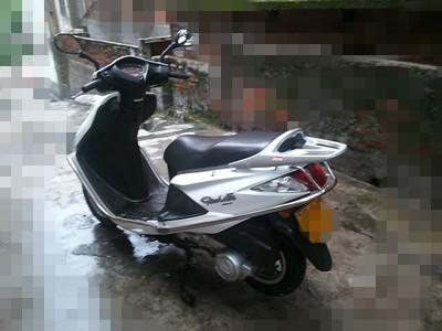 卖端州牌飞鹰女装125C摩托车